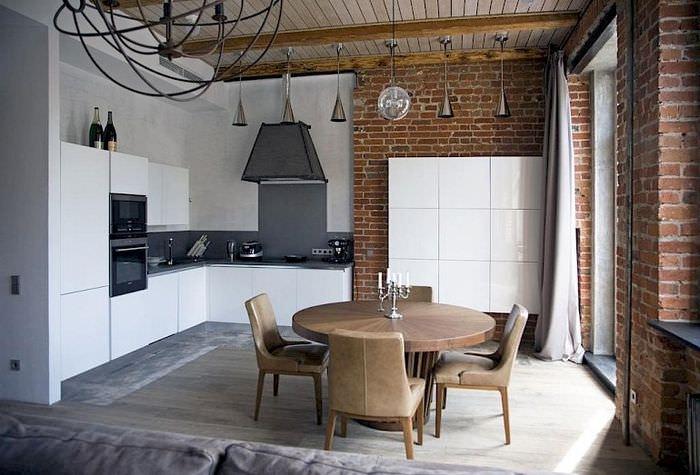 Дизайн кухни в стиле лофт с добавлением современных элементов