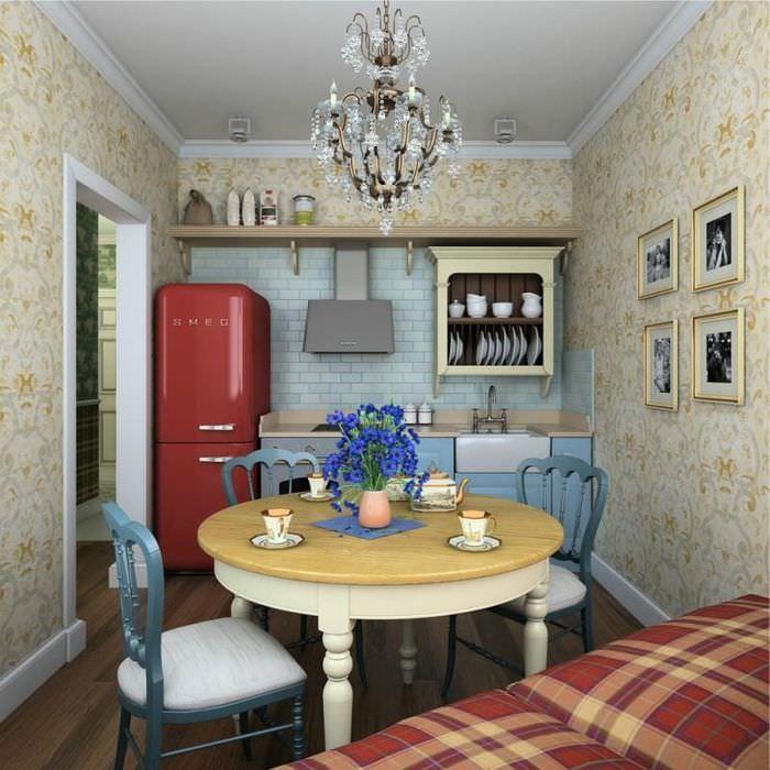 Интерьер небольшой кухни частного дома в стиле кантри