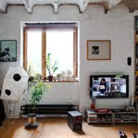 Белая кирпичная стена в современном дизайне
