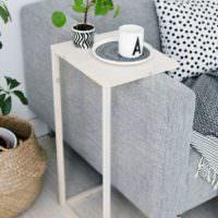 Лаконичный столик для чаепития своими руками