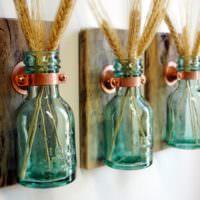 Декор из стеклянных бутылочек своими руками