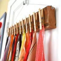 Хранение платков на бельевых прищепках