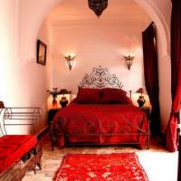 Красный цвет в оформлении спальни восточного стиля