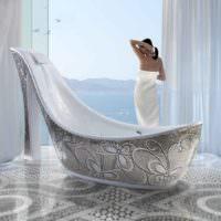 Красивый дизайн ванной комнаты с облицовкой мозаикой