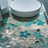 Столешница с вдавленной в бетон мозаикой