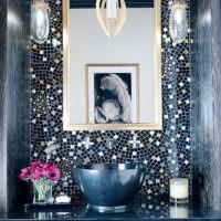 Глянцевая мозаика в дизайне ванной