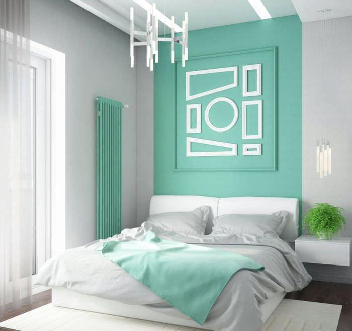Мятные оттенки в интерьере спальной комнаты