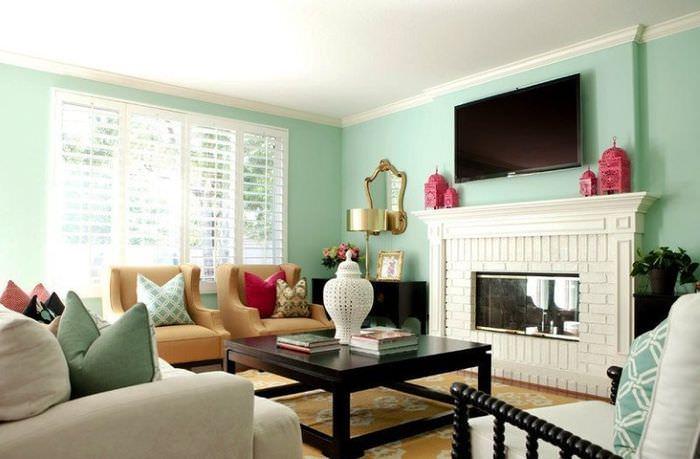 Современный интерьер гостиной в мятных тонах