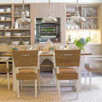 Мебель из ротанга в оформлении обеденной зоны
