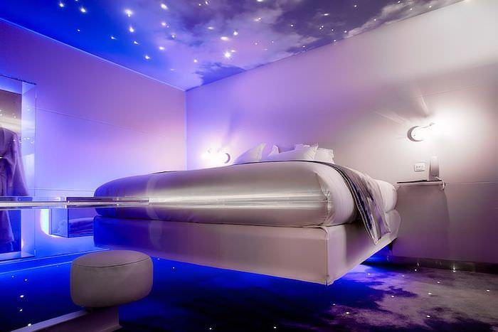 Интерьер спальни в стиле космоса