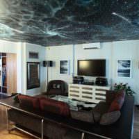 Натяжной потолок с изображением звездного неба