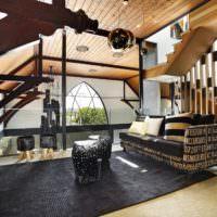 Оригинальный интерьер гостиной загородного дома