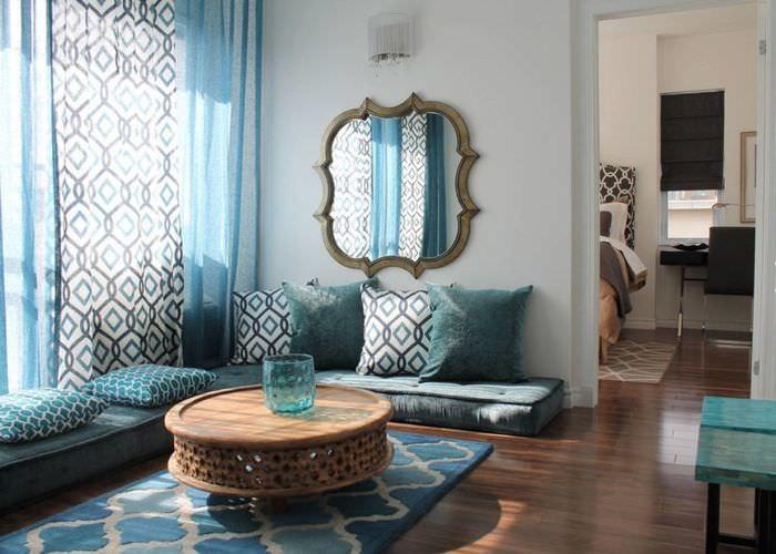 Синий цвет в интерьере спальни марокканского стиля