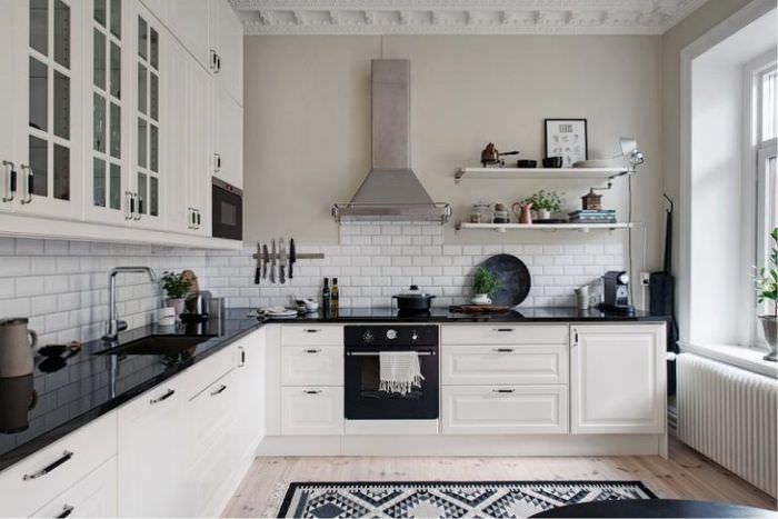 Угловая планировка кухни-гостиной в городской квартире