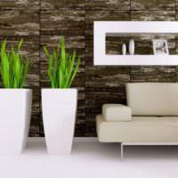 Белые вазы с зелеными листьями