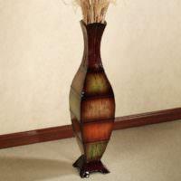 Фарфоровая ваза оригинальной формы