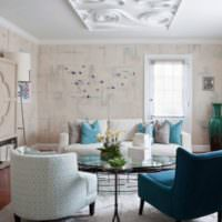 Полиуретановая лепнина на потолке гостиной