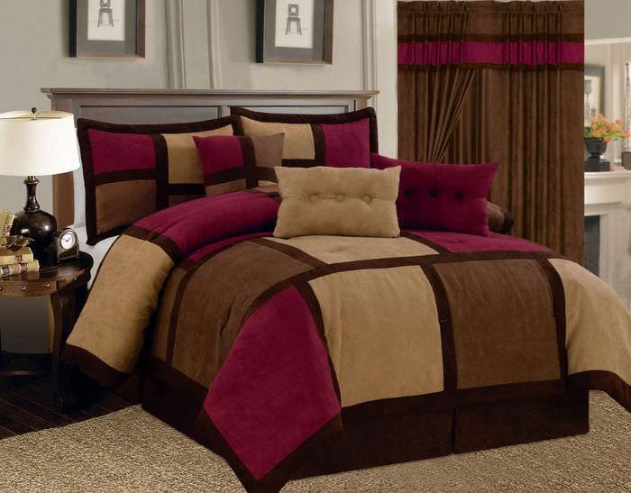 Вишневый оттенок в текстиле для спальной комнаты