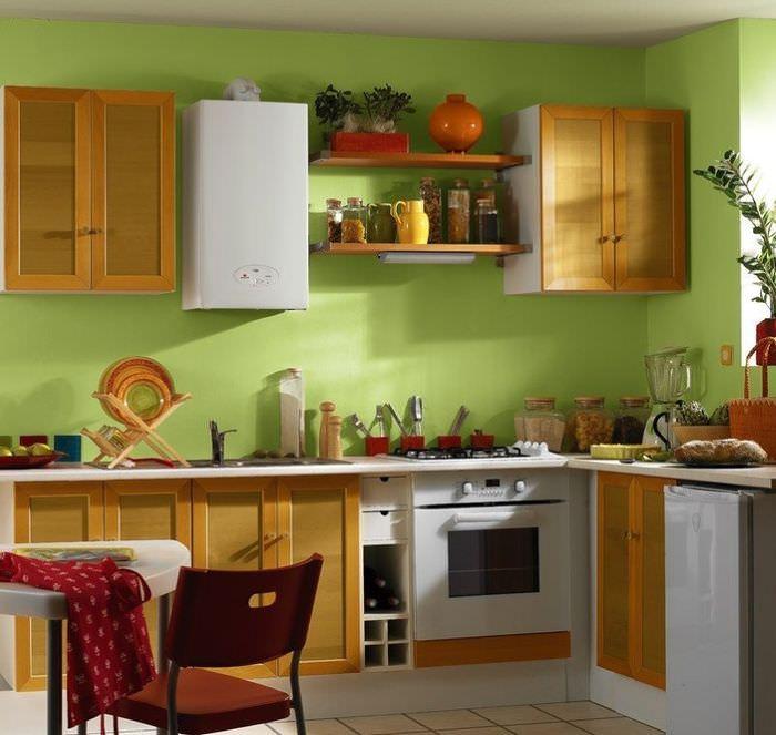 Красивый интерьер кухни с газовым котлом