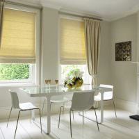Белая гостиная в стиле минмализма