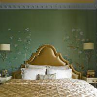 Золотистый цвет в оформлении спальни