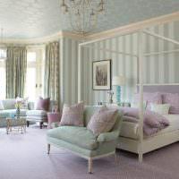 Совмещенная спальня-гостиная в частном доме