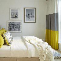 Полосатые шторы в интерьере спальни