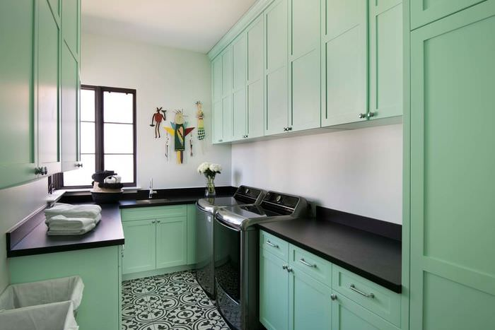 Маленькая кухня в стиле прованс в мятном цвете