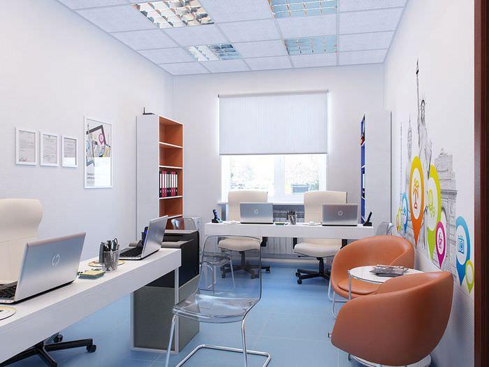 Кожаные кресла для посетителей офиса