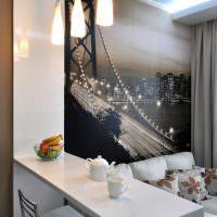 Фотообои над диваном в кухне-гостиной