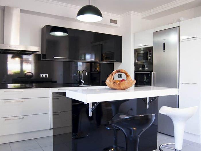 Великолепный глянец современной кухни в стиле минимализма