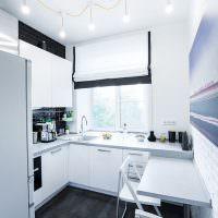 Светлая кухня с белыми стенами