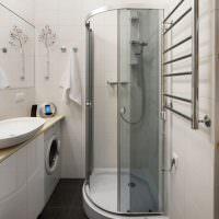 Душевая кабинка в малогабаритной ванной