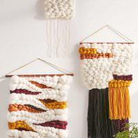 Декоративные подвески из шерстяных ниток