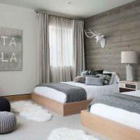 Интерьер спальни с двумя кроватями