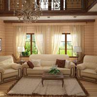Мягкая мебель в гостиной загородного дома