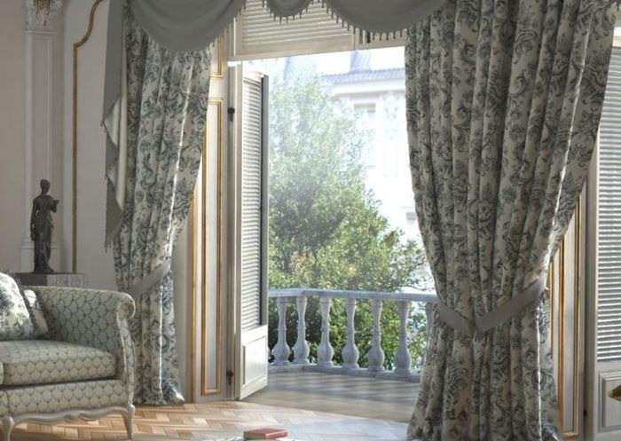 Шторы с набивным рисунком в гостиной стиля прованс