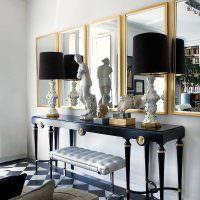 Скульптуры в интерьере жилой комнаты