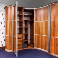 Ламинированные поверхности углового шкафа из МДФ