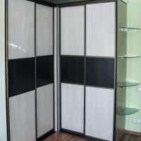 Ламинированные панели на полу жилой комнаты