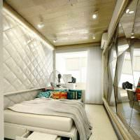 Отделка потолка деревянными панелями