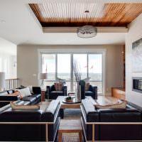 Двухуровневый потолок с обшивкой рейками
