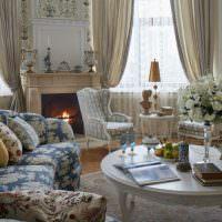Пестрый текстиль в оформлении гостиной
