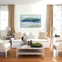 Мягкая мебель со светлой обивкой