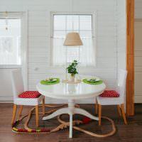 Окрашенная имитация бруса в интерьере кухни