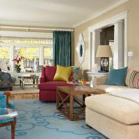 Яркий интерьер гостиной в стиле бохо
