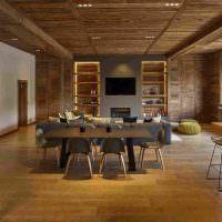Обеденная зона в просторной гостиной