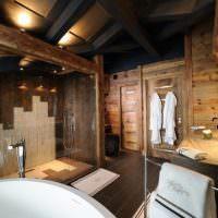 Интерьер ванной комнаты в дома из бруса