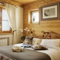 Отделка стен спальни сосновой вагонкой