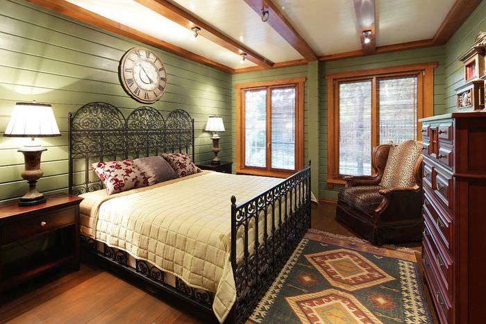 Интерьер спальни частного дома в стиле американского кантри